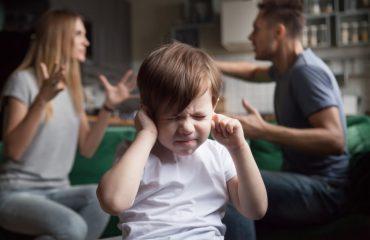 Травмированный в детстве ребенок